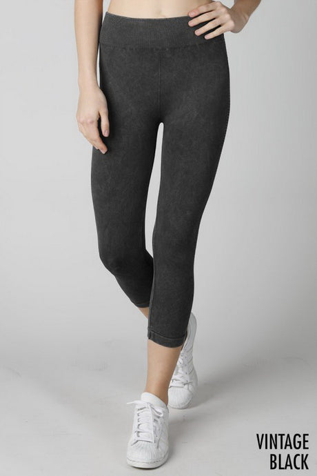 Black Vintage Ladder Capri Leggings