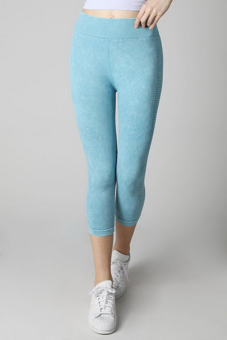Light Blue Vintage Ladder Capri Leggings