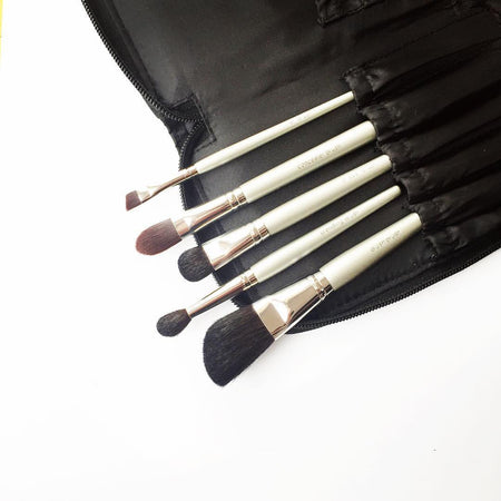 Cleansing routine for your makeup brushes