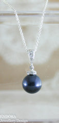 Lauren Pearl necklace | Swarovski Pearl pendant necklace | 10mm night blue