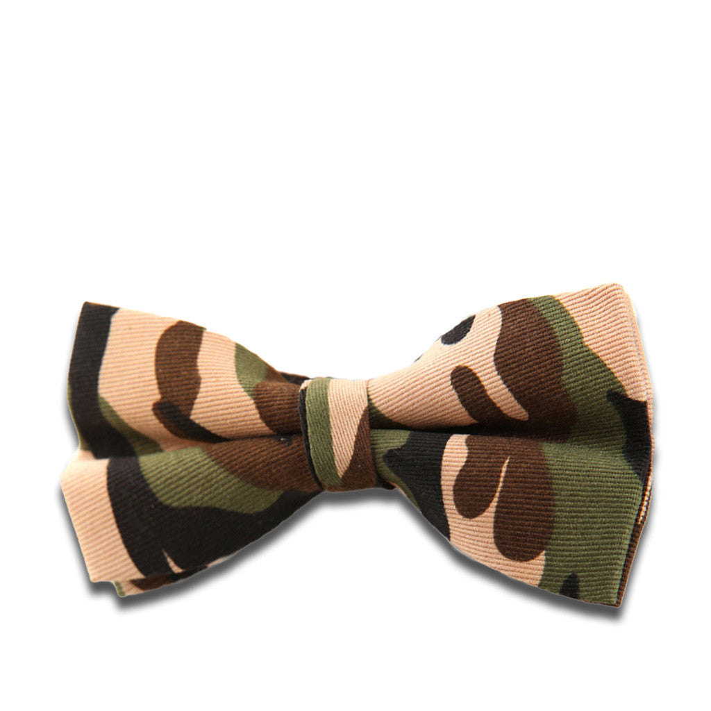 Woodlands Camouflage-Print Pre-Tied Bow Tie