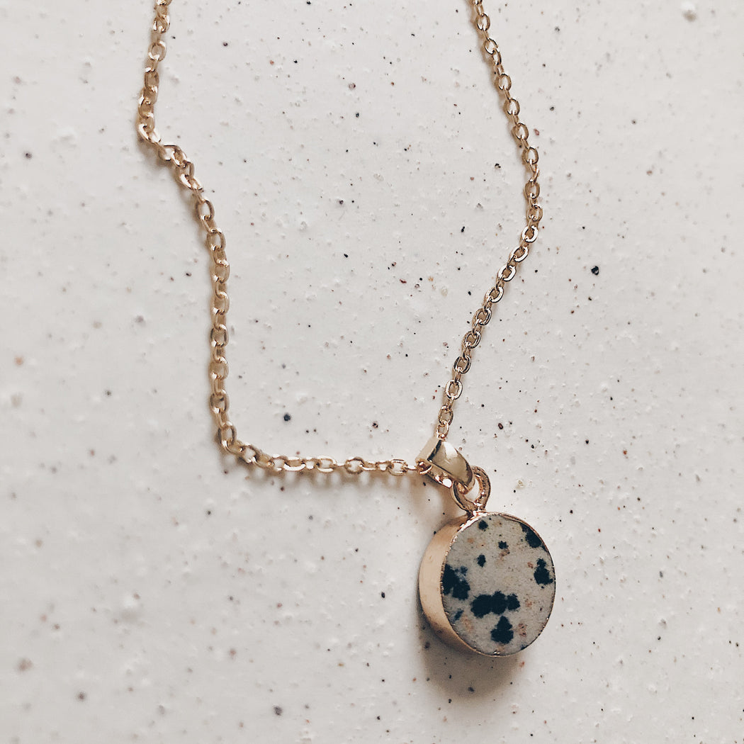 Renai necklace | Dalmatian | Gold