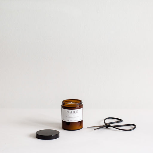 Hobo candle | oakwood + tobacco