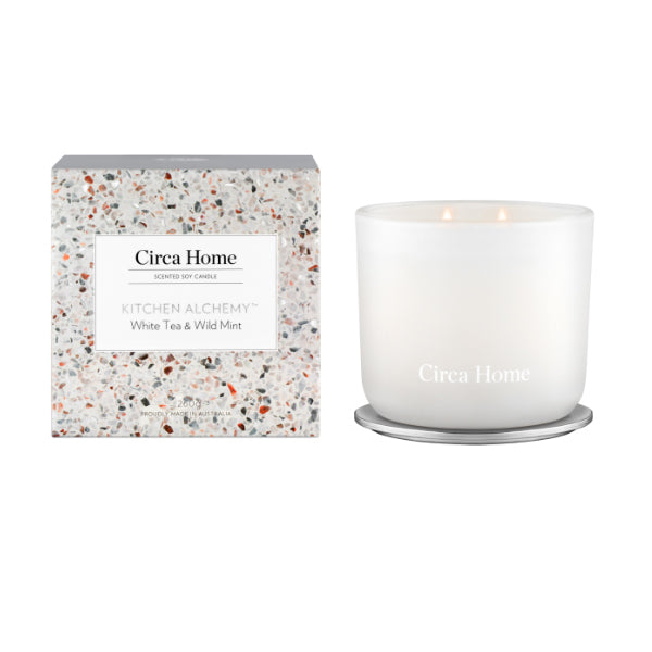 Circa Home <br>White Tea & Wild Mint Classic Candle-260g