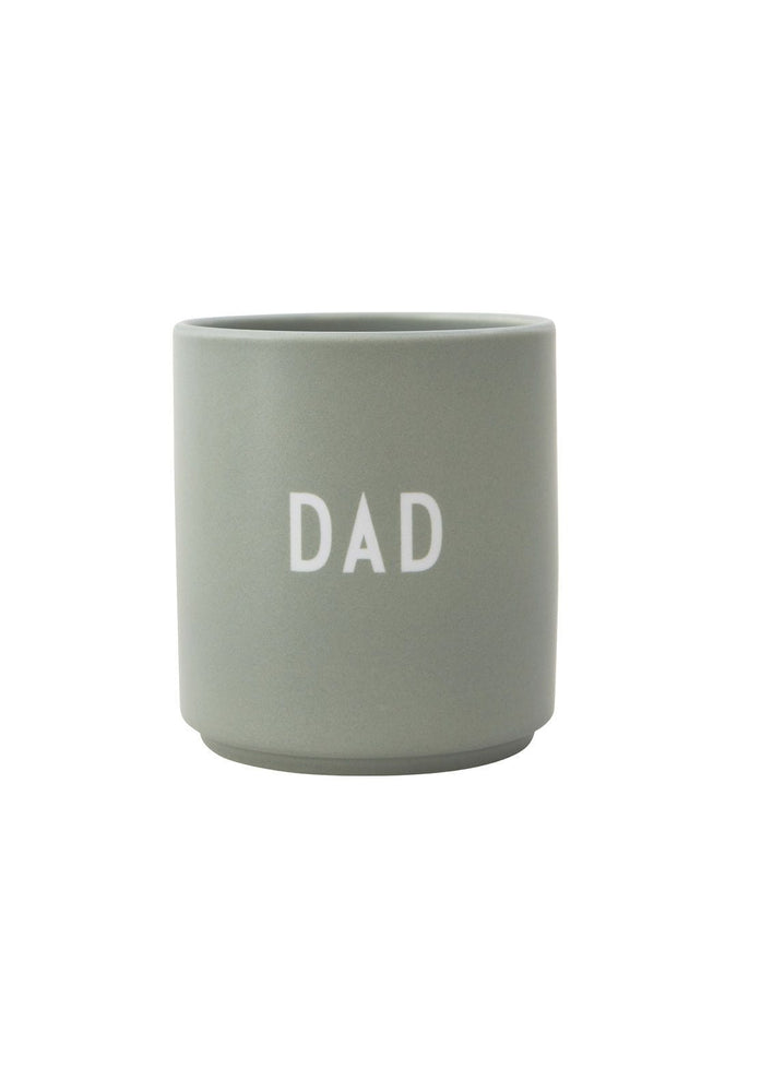 DESIGN LETTERS Favourite cups DAD- green