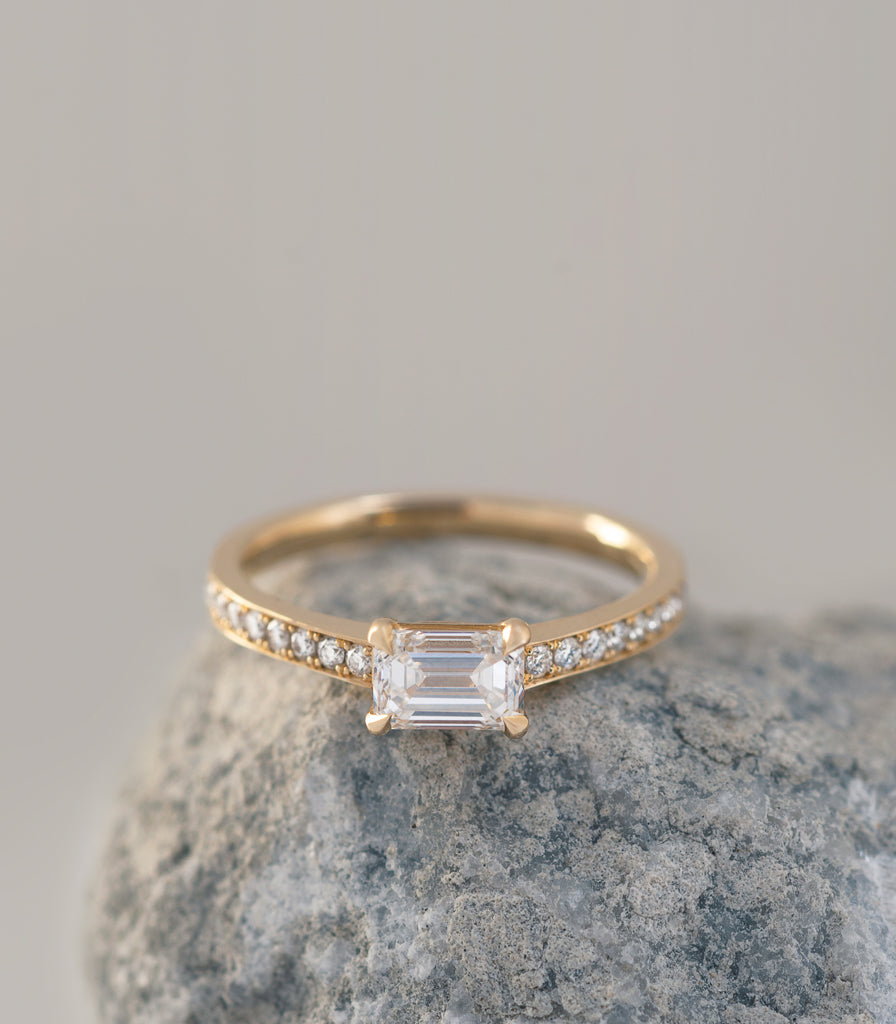 Eon Ring - Emerald Cut Diamond