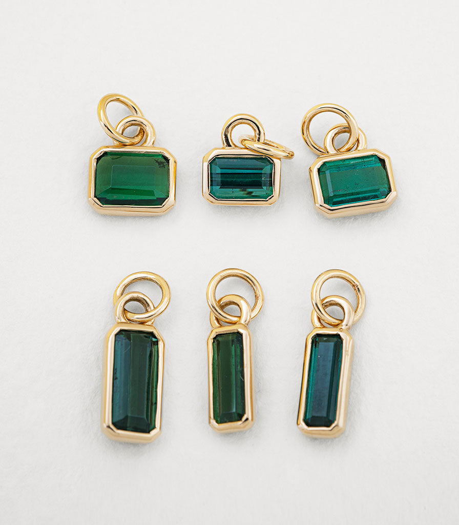 Mojo Charm - Green Tourmaline (Shorty)