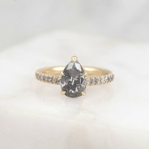 Diamond Torc Ring - Grey