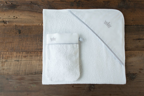 Crown hooded towel and wash mitt set - Silver