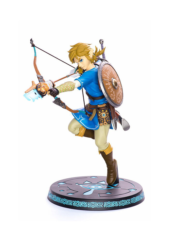 LEGEND OF ZELDA Breath Of The Wild 10-Inch Figure - Link