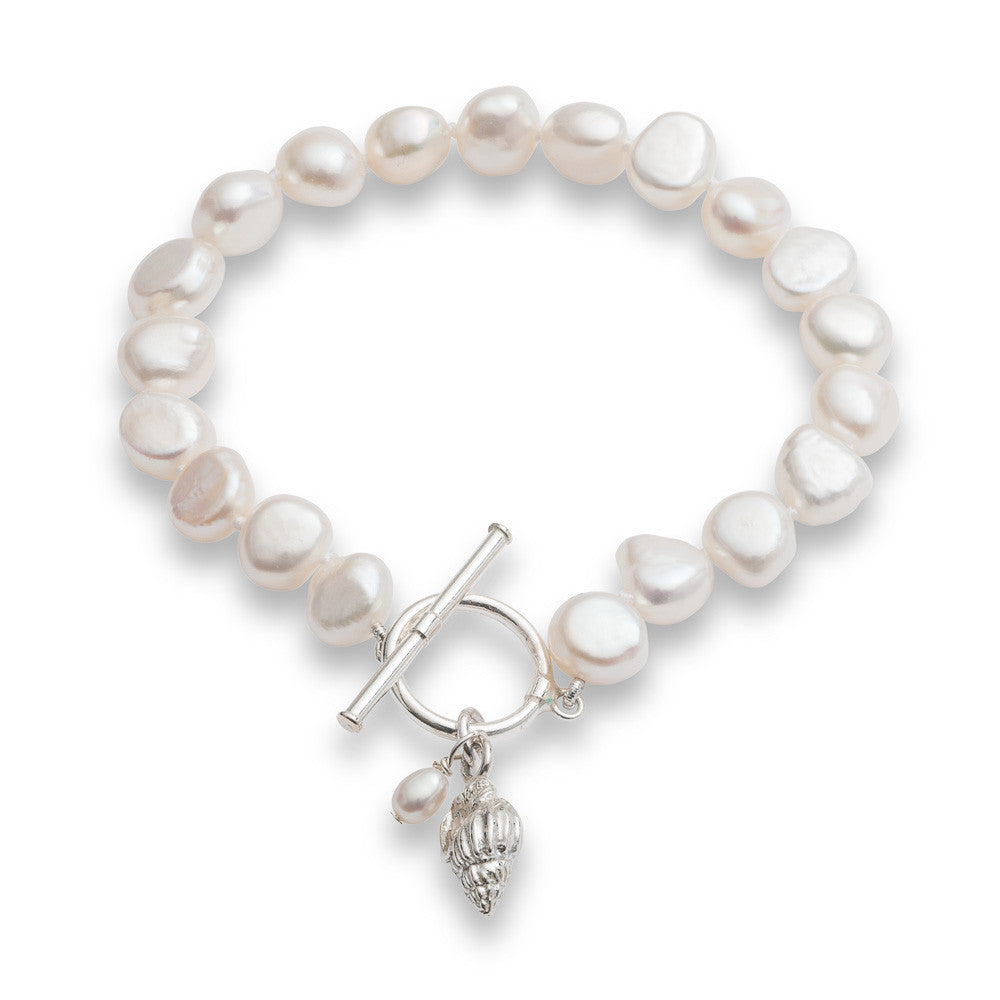 Vita white cultured freshwater pearl bracelet with a sterling silver seashell charm