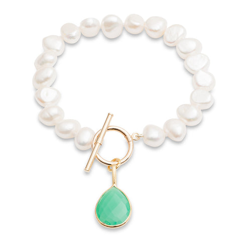 White cultured freshwater pearl bracelet with a chrysophase onyx drop pendant