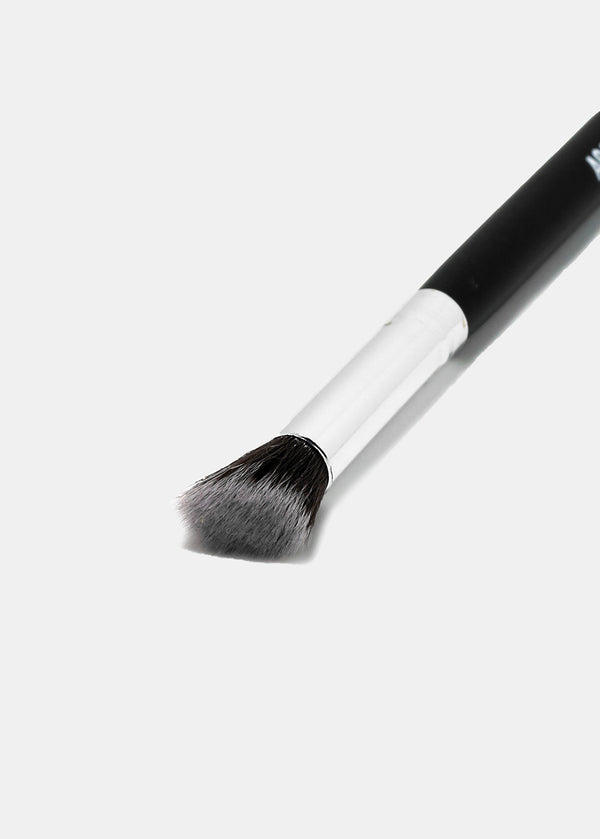 The F2 & E102 Kabuki Brush Duo