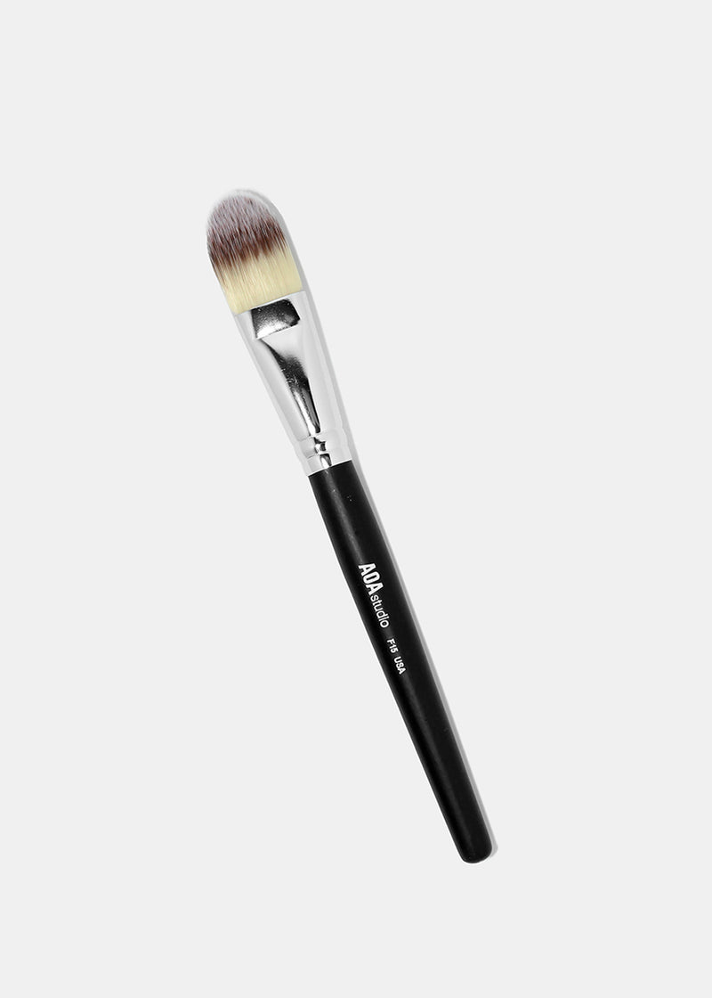 F15: Flat Foundation Brush