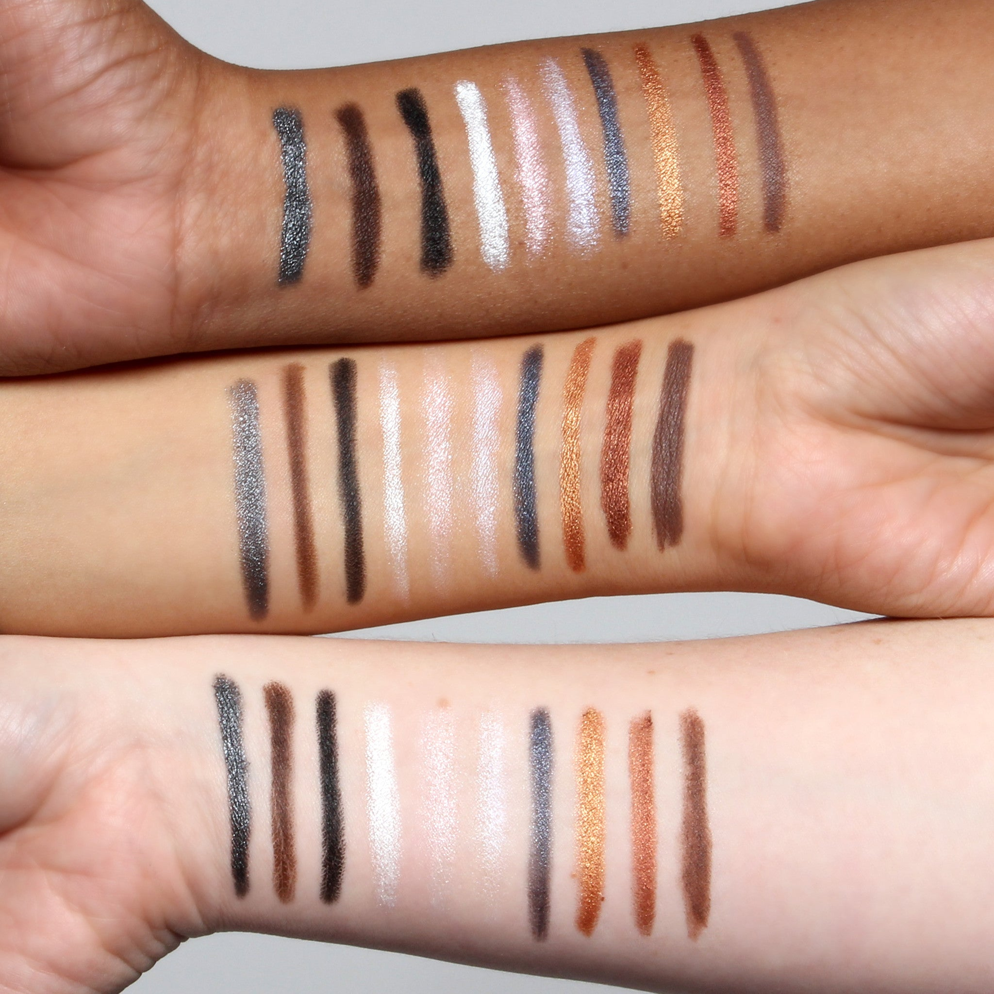 PerfectWear Eyeshadow Stick- Dark Brown
