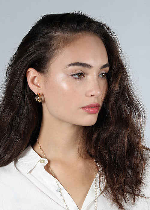 Scalloped Small Hoop Earrings