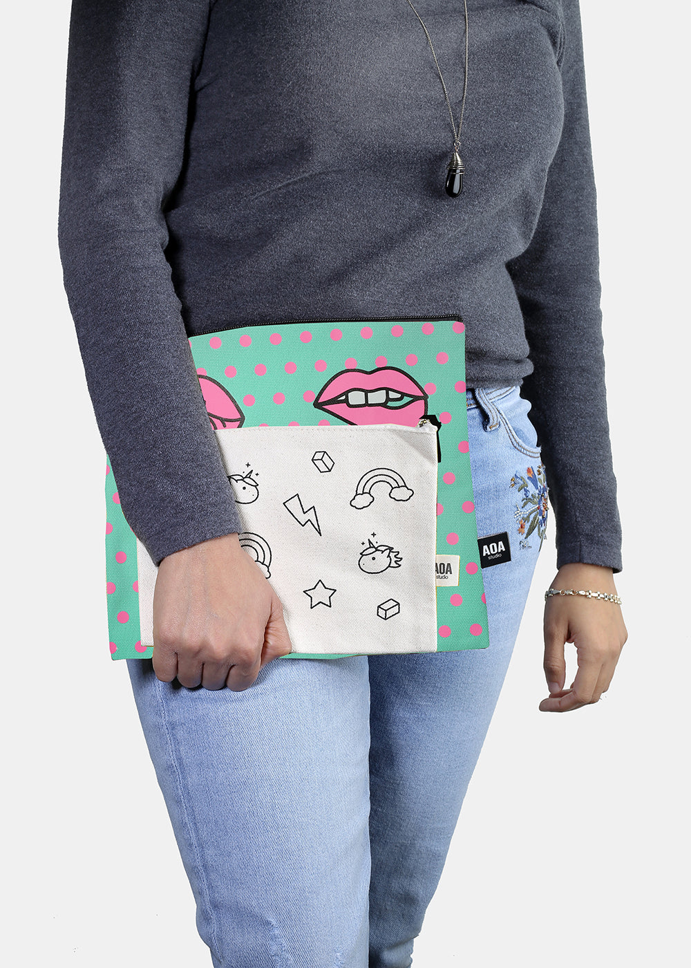 a2o Large Canvas Pouch - Modern Lips