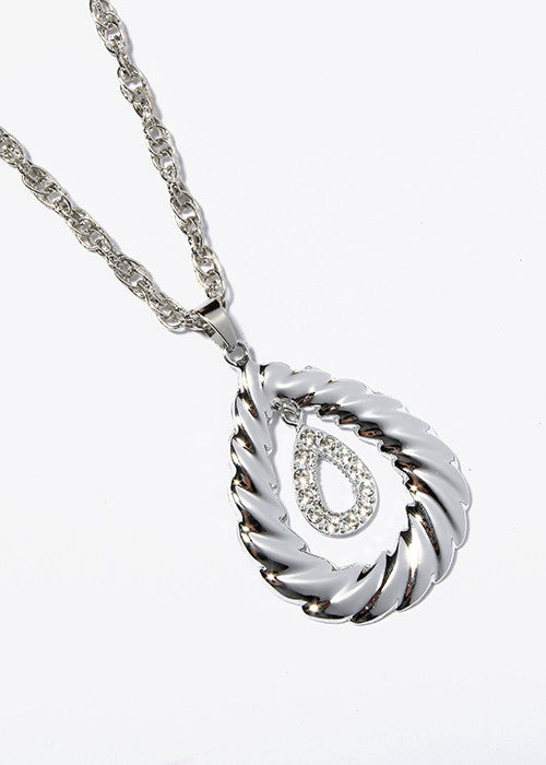 Tear Drop Pendant Necklace