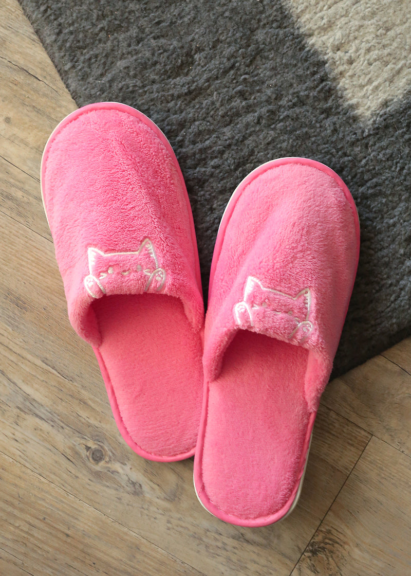 Paw Paw: Plush Slippers