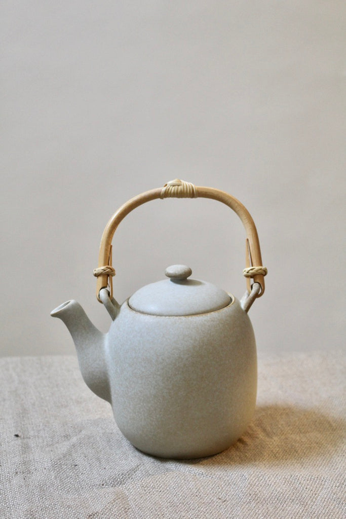 Miya :: Teapot, Grey 22oz