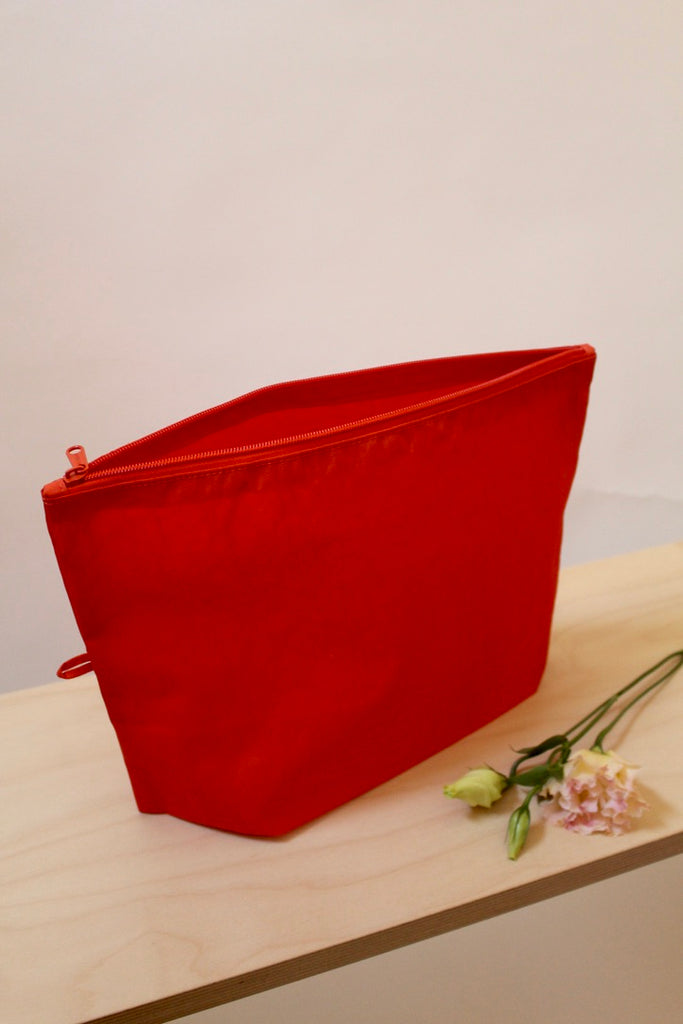 BAGGU :: Go Pouch Large, Solid Red