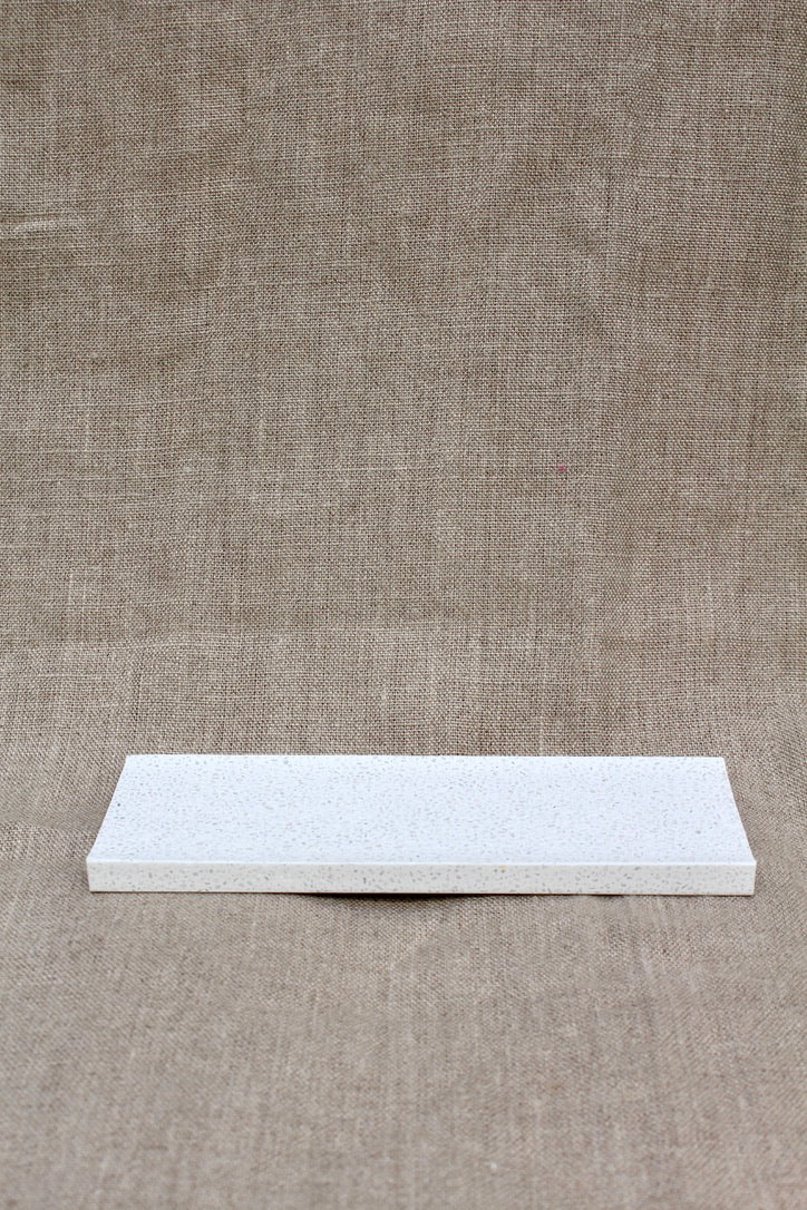 Saikai Toki :: Dispenser Tray White -Soil