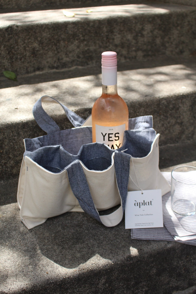 "Aplat :: One Bottle Wine Picnic Tote, Chambray, 7.5"" x 15"""