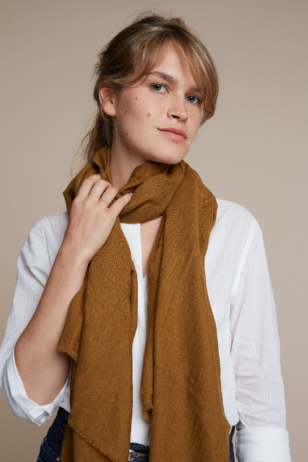Moismont :: Scarf 477, Solid, Squirrel