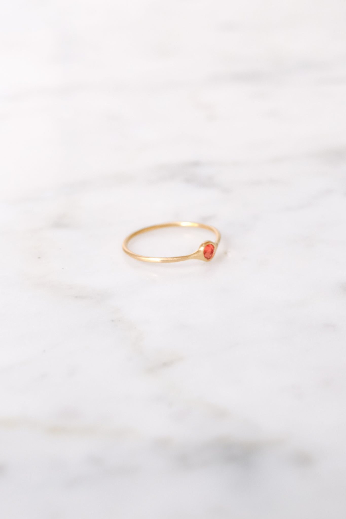 Margaret Solow :: Ring, Golden Orange Sapphire 18kt