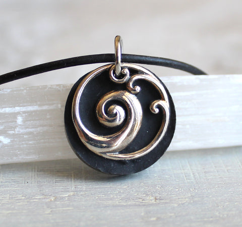 Wave necklace in black and sterling silver