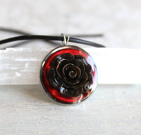 Rose necklaces - resin rose
