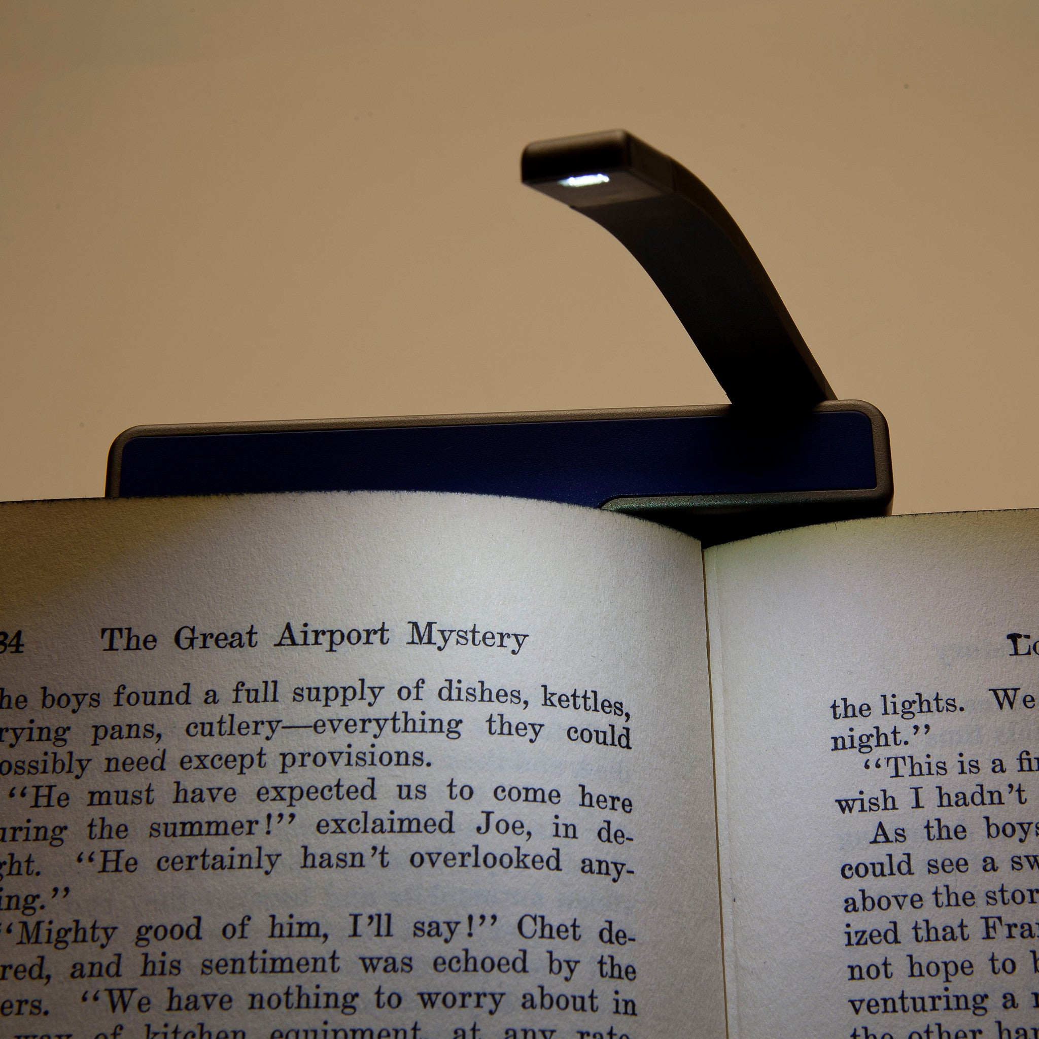 kindle light and led book light swivel light graphite and black