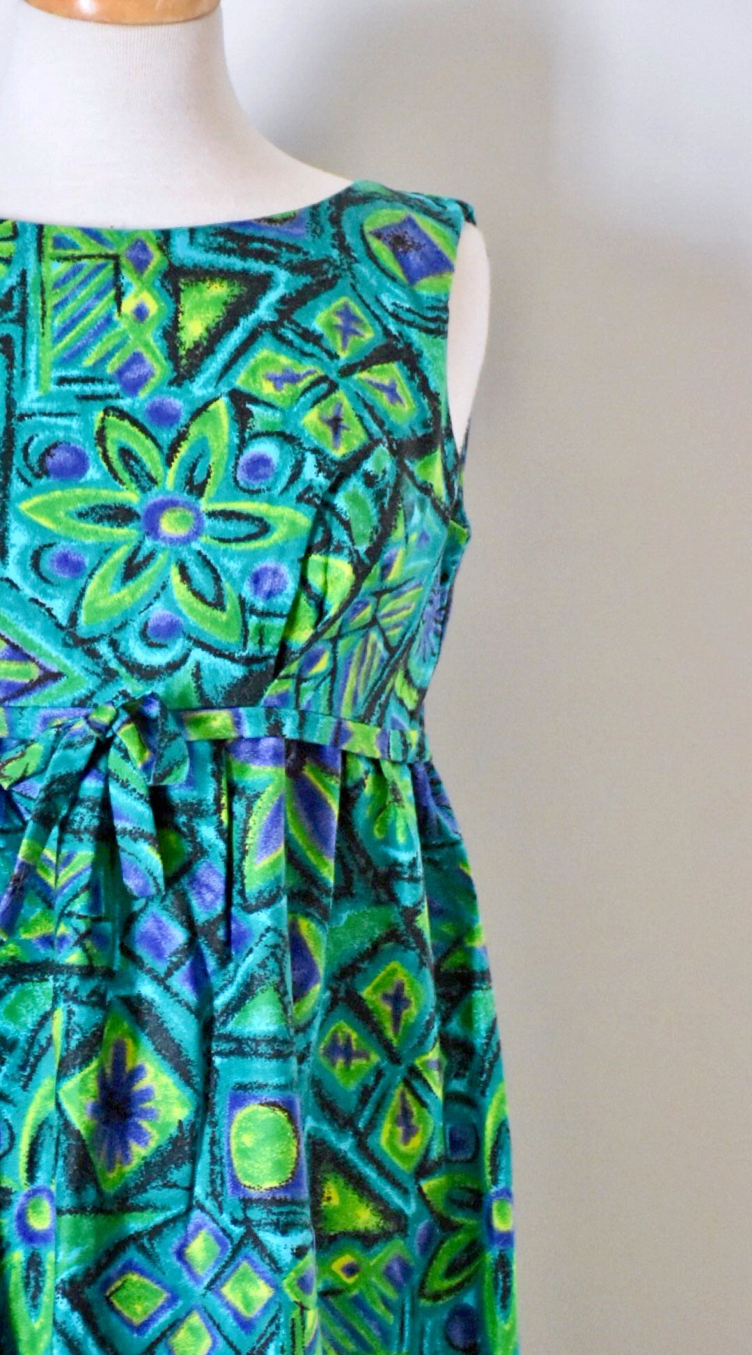 60s Novelty Print Hawaiian Dress