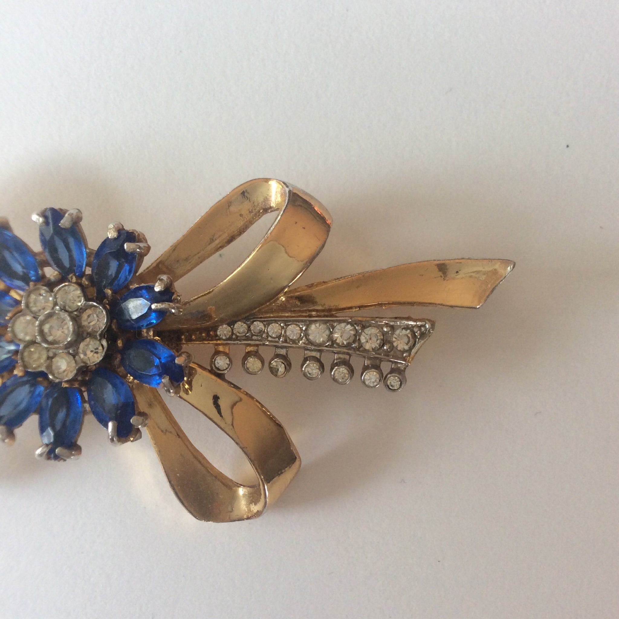 40s 50s Vintage Floral Spray Brooch