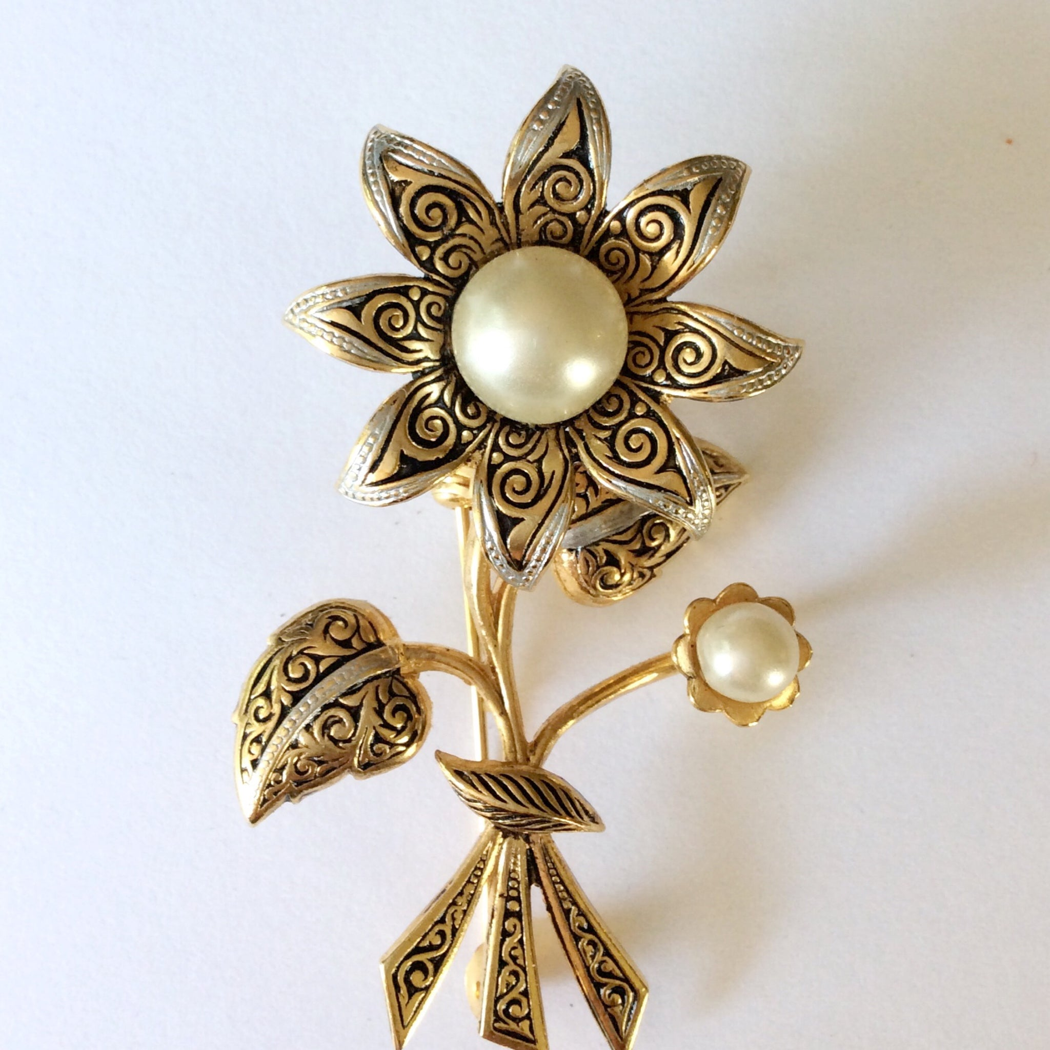 60s Vintage Damascene Brooch