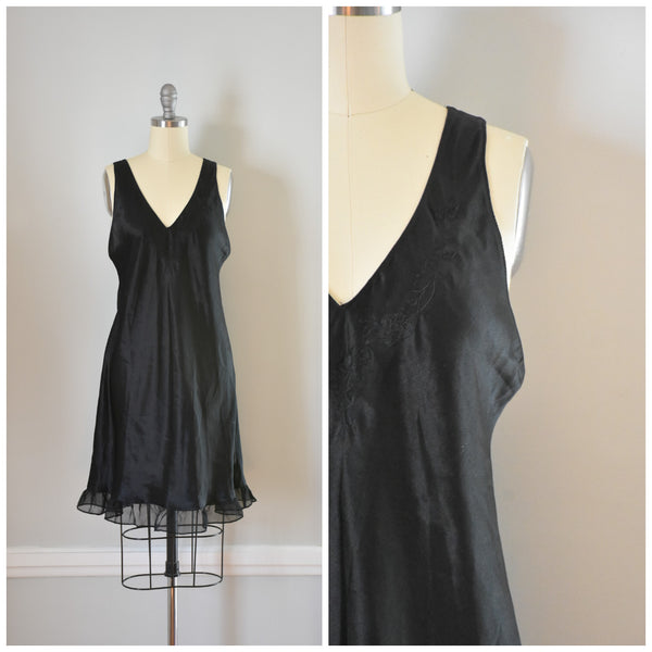 80s Vintage Black Nightgown from DuncanLovesTess.com