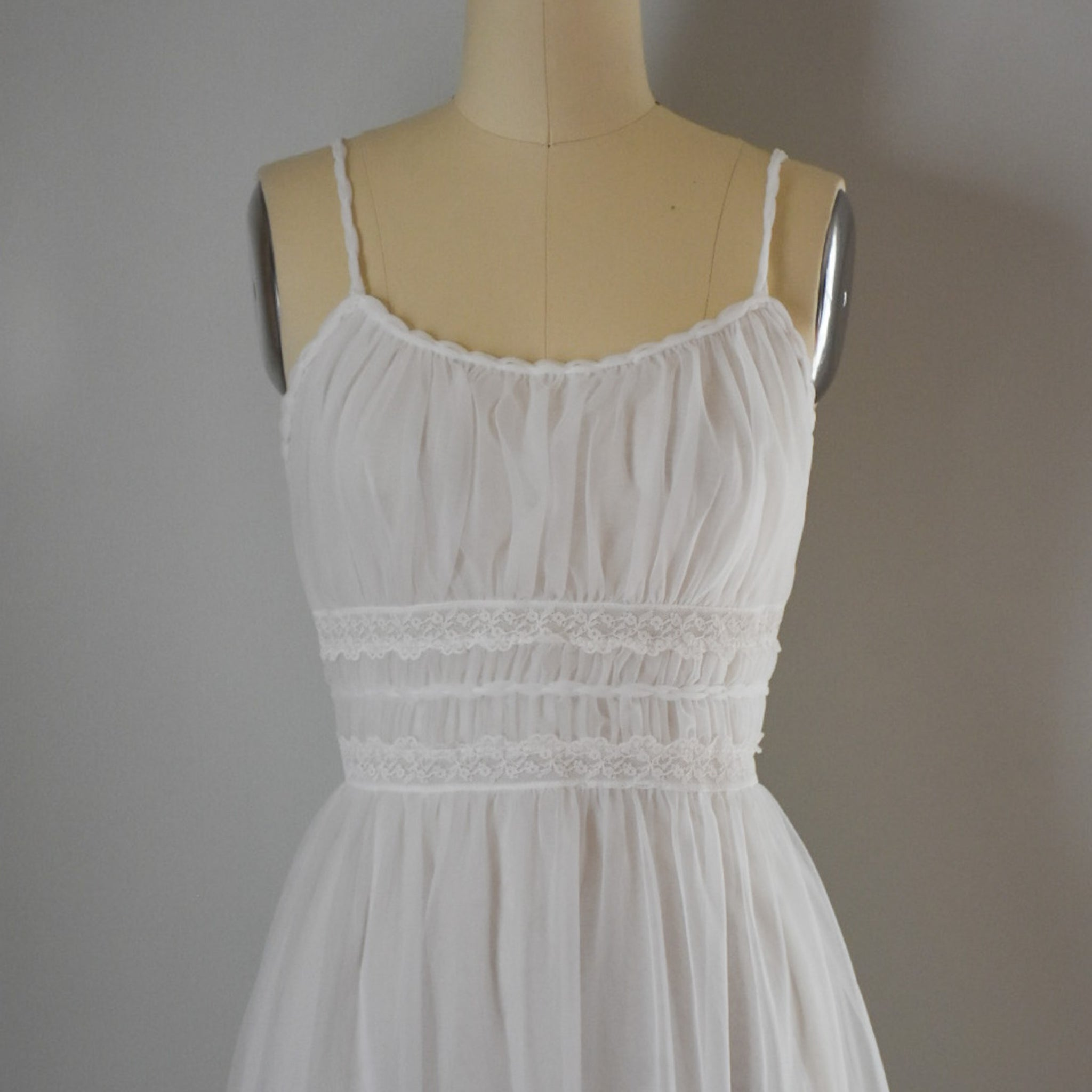SOLD // 50s White Nightgown