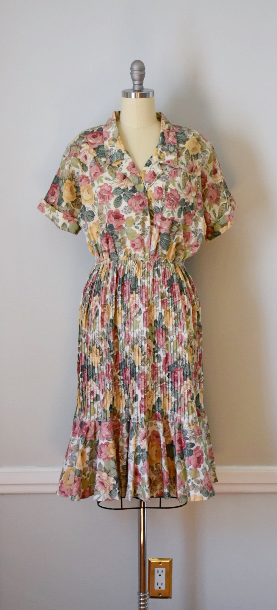 70s Vintage Floral Pullover Shirtwaist Dress