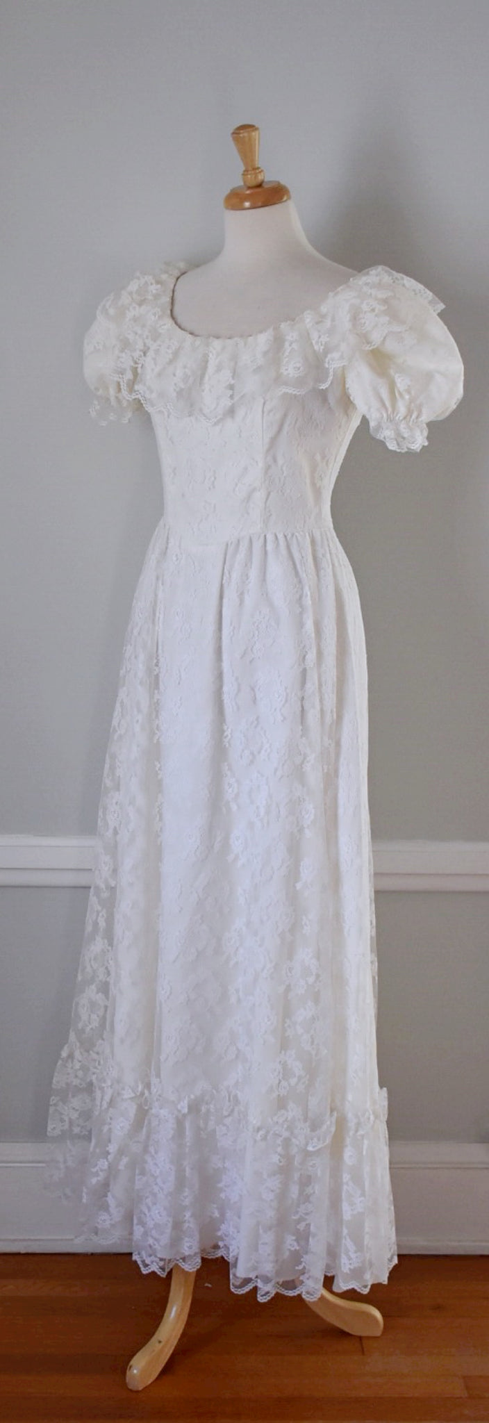 Vintage Boho Lace Wedding Dress