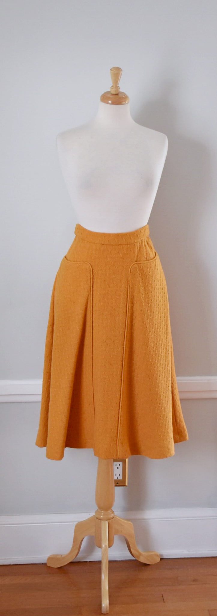 SOLD // 40s / 50s Vintage Textured Wool Midi Skirt