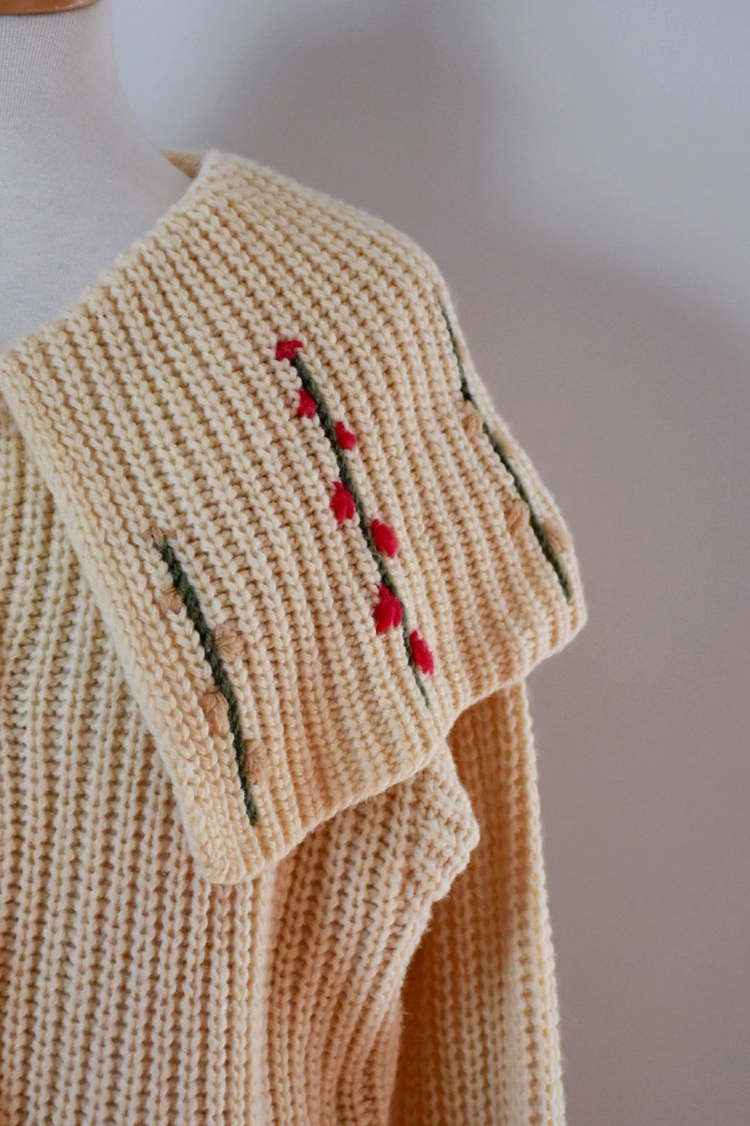 50s Vintage Shawl Collar Embroidered Cardigan Sweater