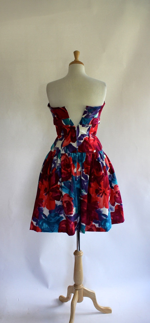 SOLD // 80s Glam Strapless Party Dress