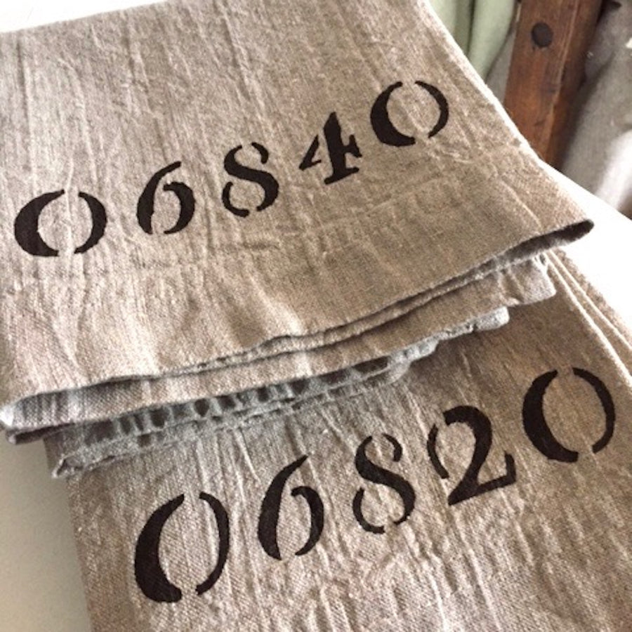LINEN KITCHEN TOWEL, ZIP CODE (2051)