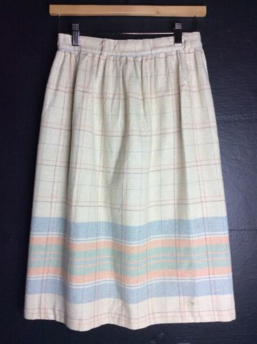 Vintage Plain Skirt Cream With Plaid Design