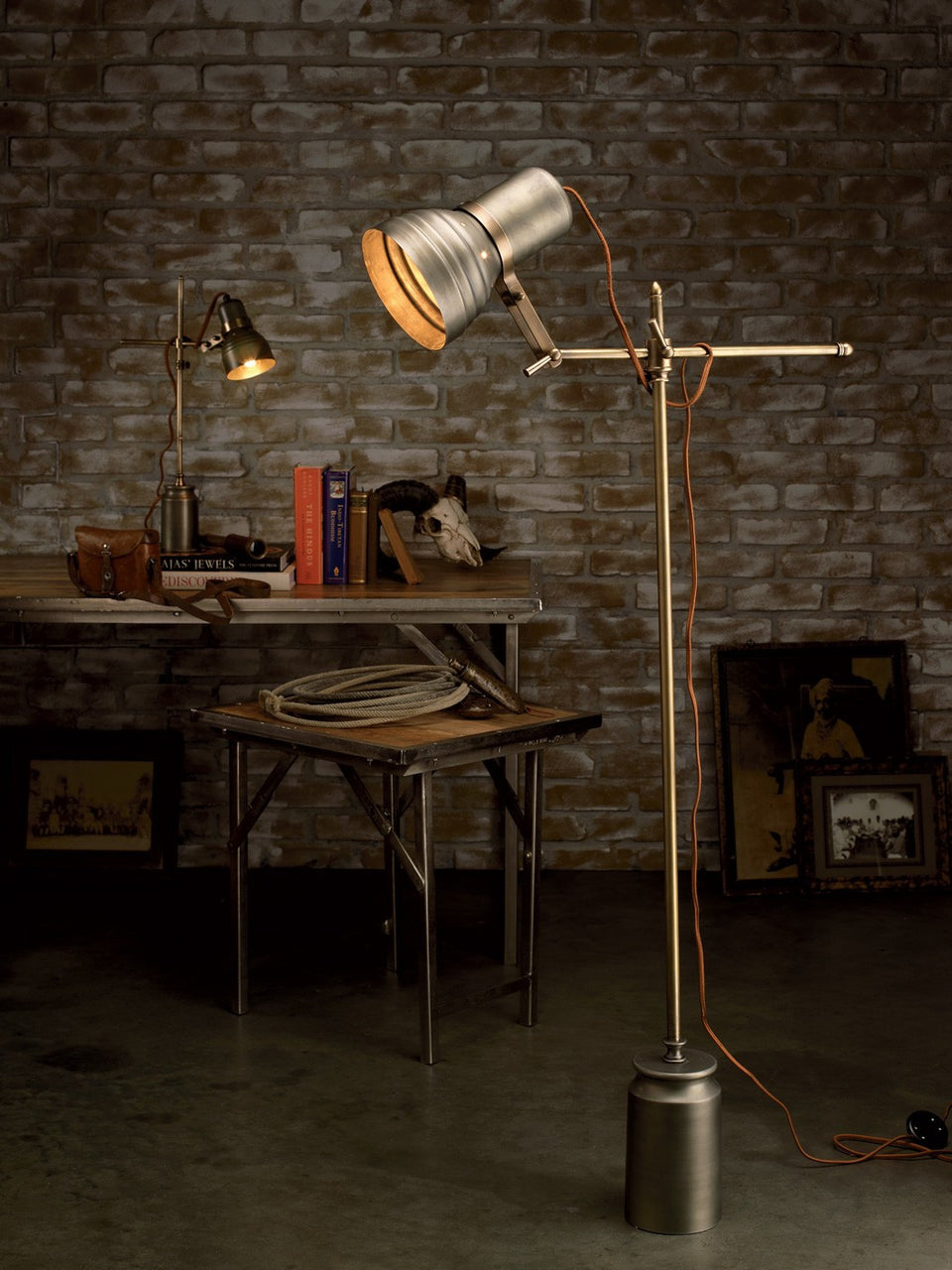 Singer Floor Lamp - touchGOODS