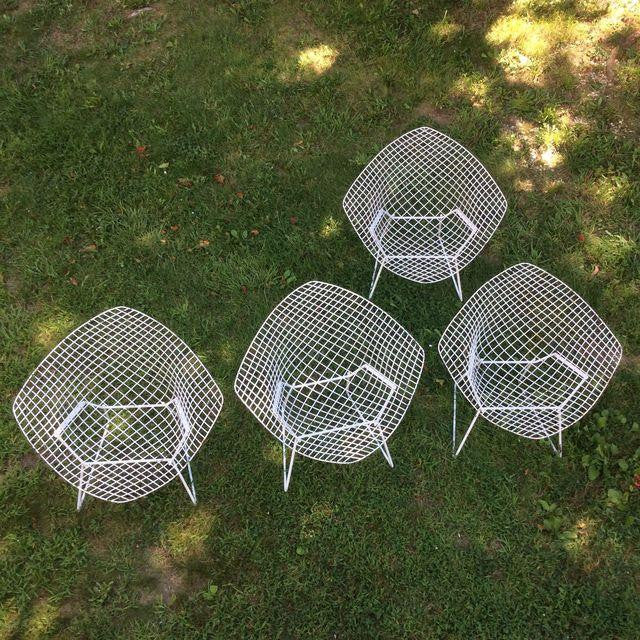 Vintage Harry Bertoia Diamond White Chairs - Set of 4 - touchGOODS