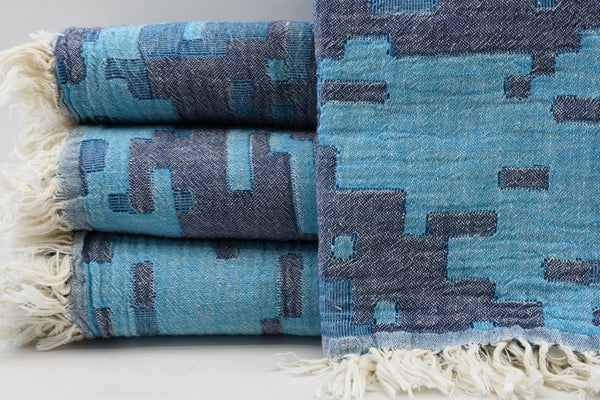 Peshtemal Turkish Bath Towel ~ Blue & Navy Aztec Pattern | touchGOODS