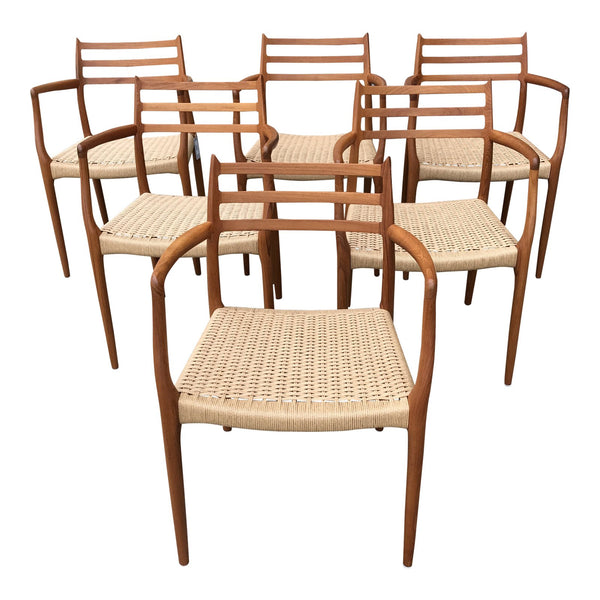 Gently Used Møller Model 62 Armchair - Set of 6 - touchGOODS