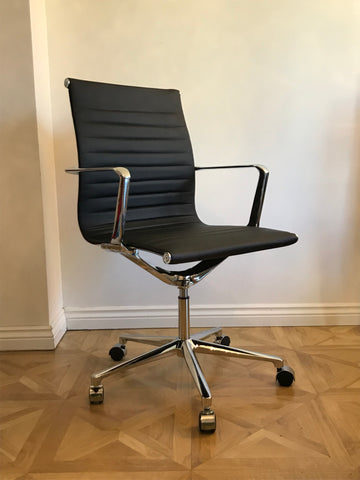 Black Designer Aluminium Group Management Chair