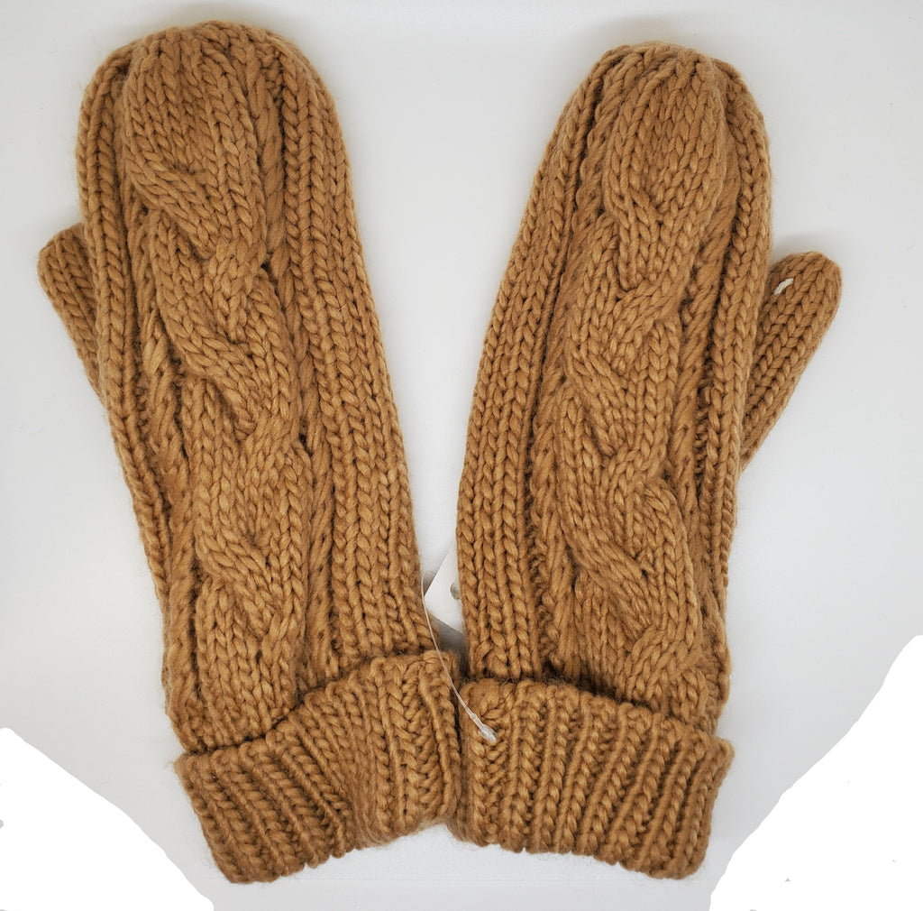 Cable knit alpaca mittens